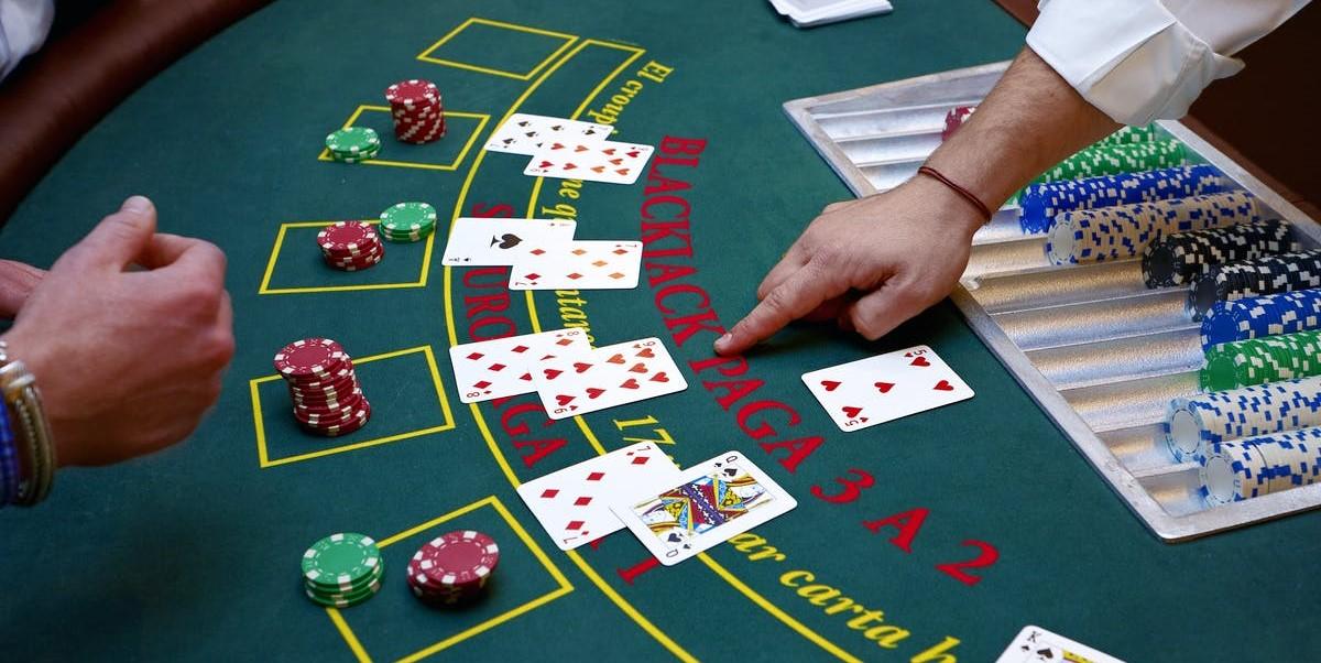 Blackjack taktikleri ve stratejileri nelerdir